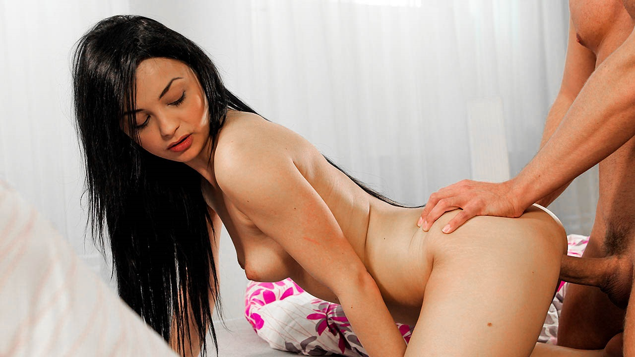 Impressionable Teen Gets Bent Over And Fucked Deep By Her Hung Boyfriend